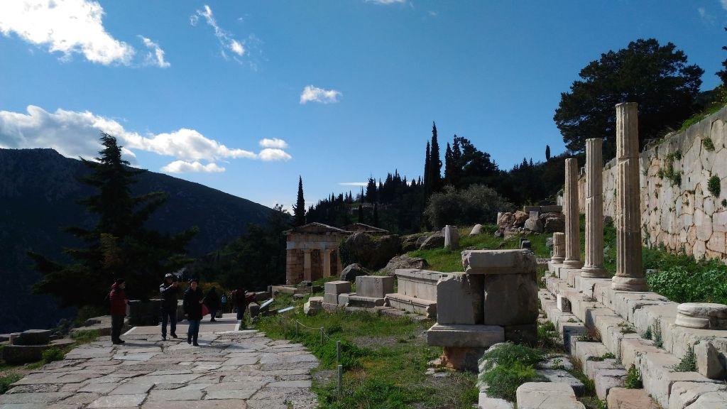 Delfi da Atene tour privato