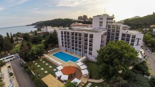 HOTEL TARA ****