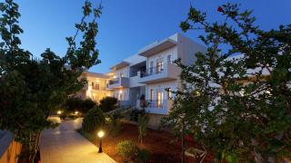 FOTIS STUDIOS & APARTMENTS